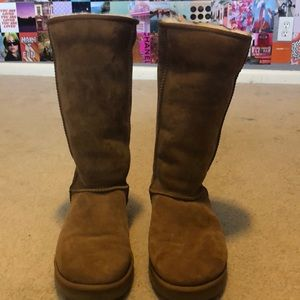WORN ONCE PERFECT CONDITION classic ugg boots